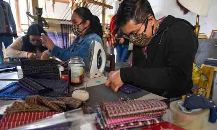 crean-cubrebocas-de-rebozo-artesanos-mexiquenses-para-protegerte-del-coronavirus
