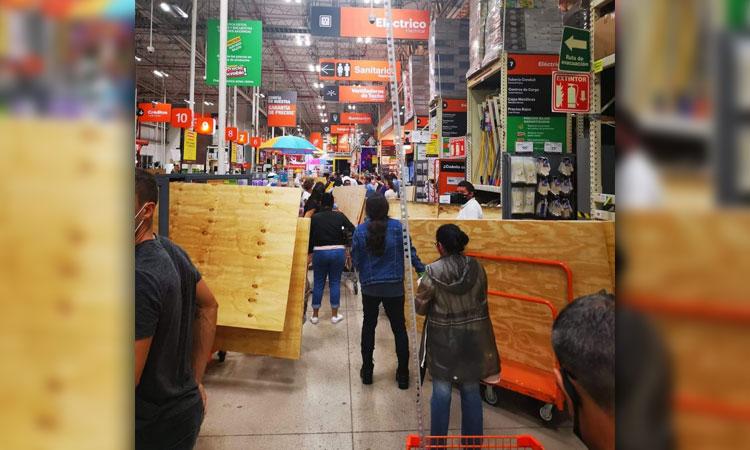 Asi-las-compras-de-panico-por-el-huracan-Delta