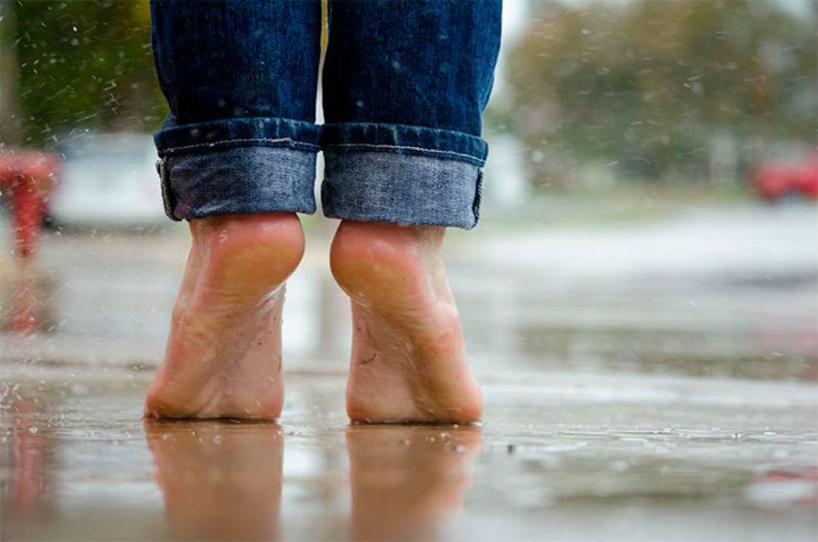 andar descalzo