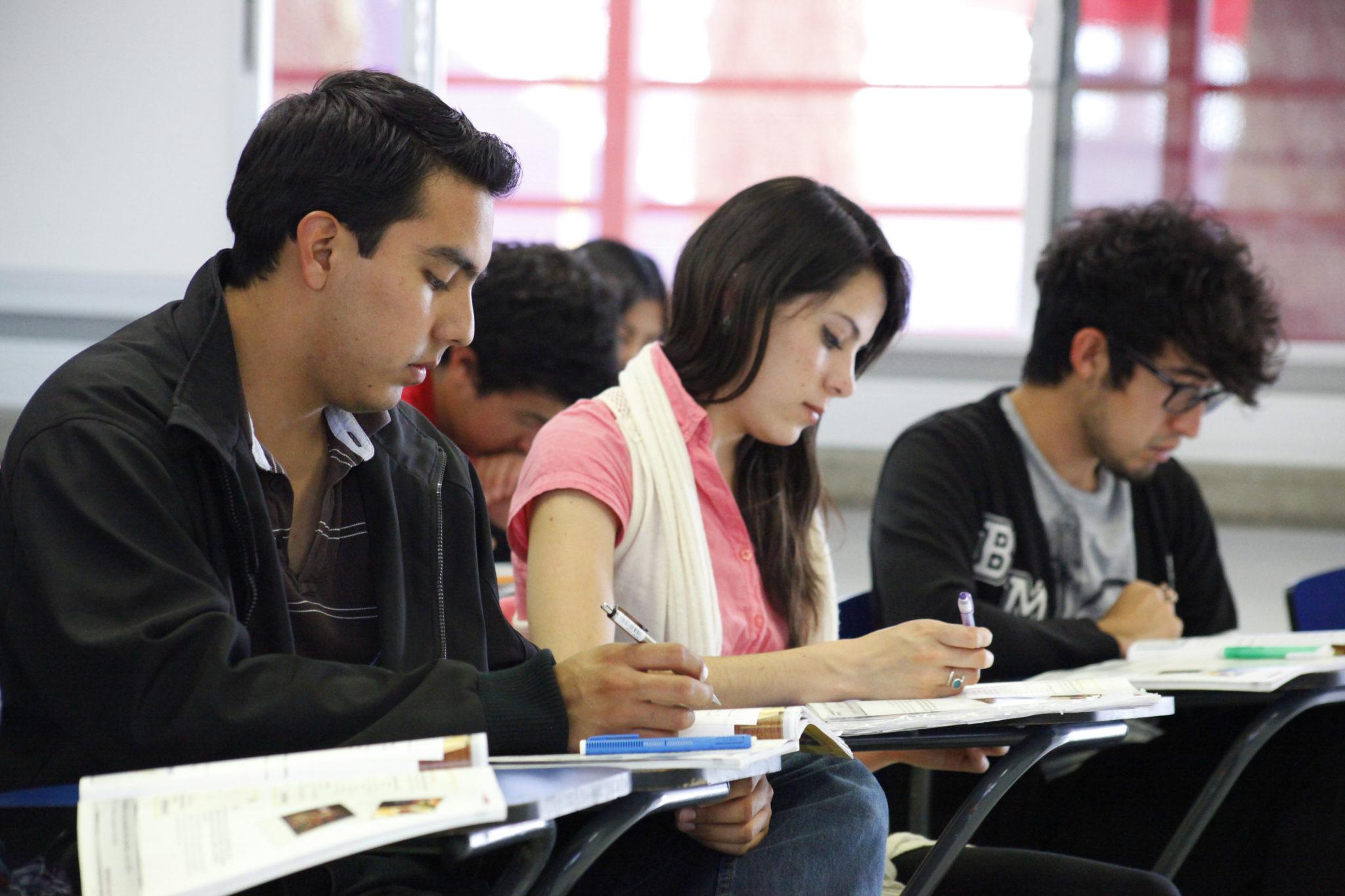 jovenes-escribiendo-el-futuro-bexa