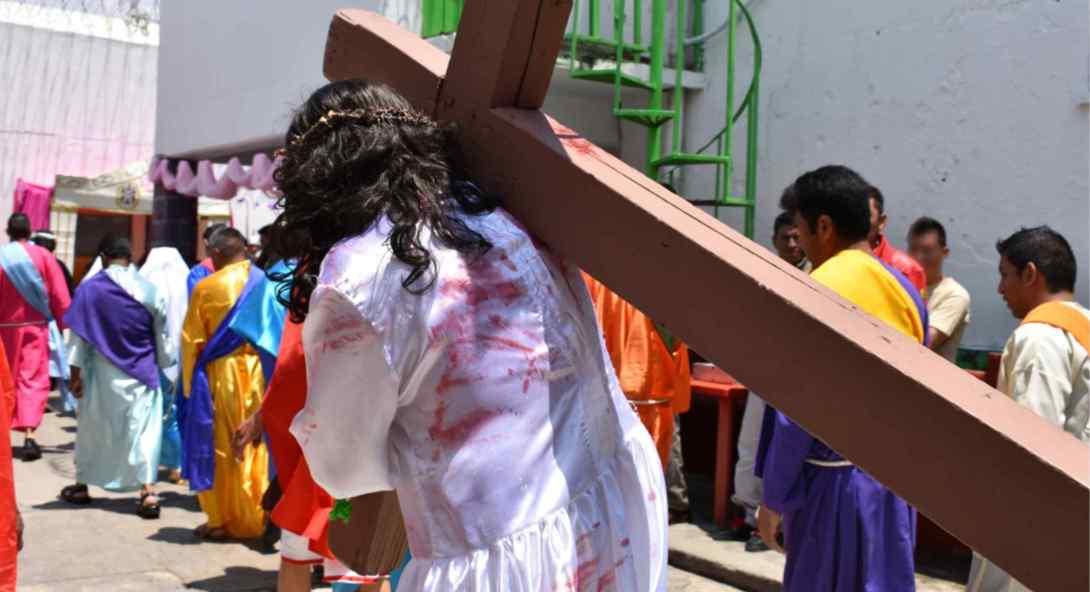 representación del viacrucis de Jesús