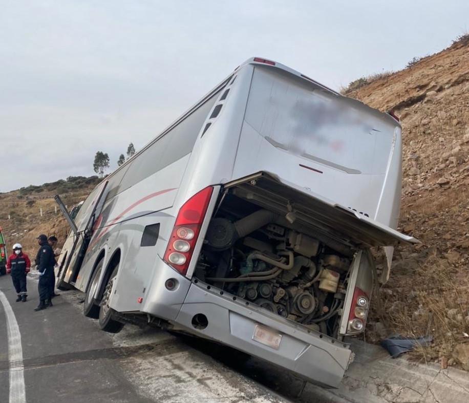 Los Servicios de Urgencias del Estado de México (SUEM) atendieron un accidente de tránsito en Acambay en el que perdieron la vida siete personas