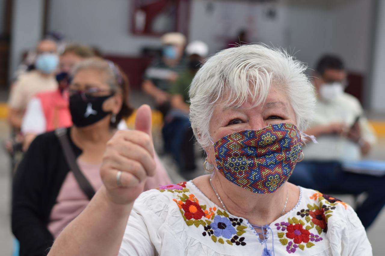 Ecatepec suma más de 143 mil adultos mayores vacunados contra COVID-19