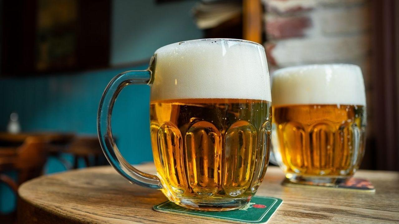 ¿Cuántas cervezas se pueden tomar al día? De acuerdo al Centro de Información Cerveza y Salud, se recomienda una ingesta moderada de 200 ml de cerveza diaria.