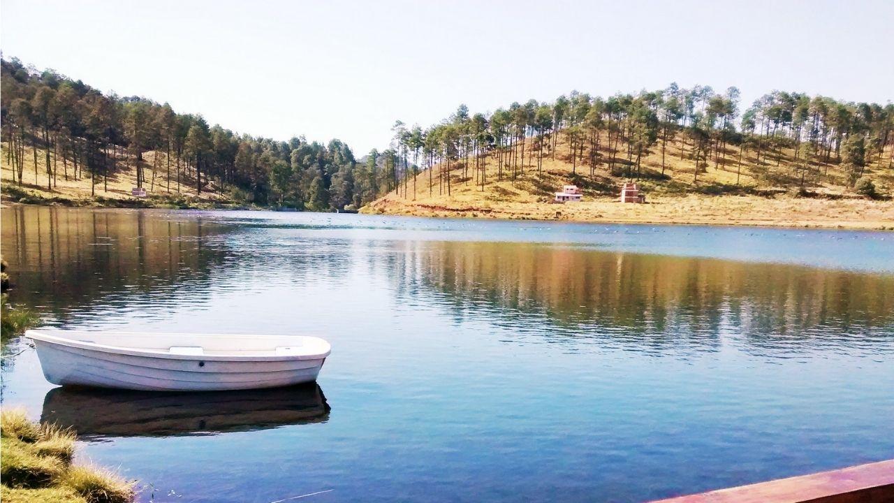 las rentas de lanchas, kayaks y bicicletas tienen un costo de 50 pesos por hora ó 200 pesos tiempo libre en el Parque Ecoturístico Corral de Piedra
