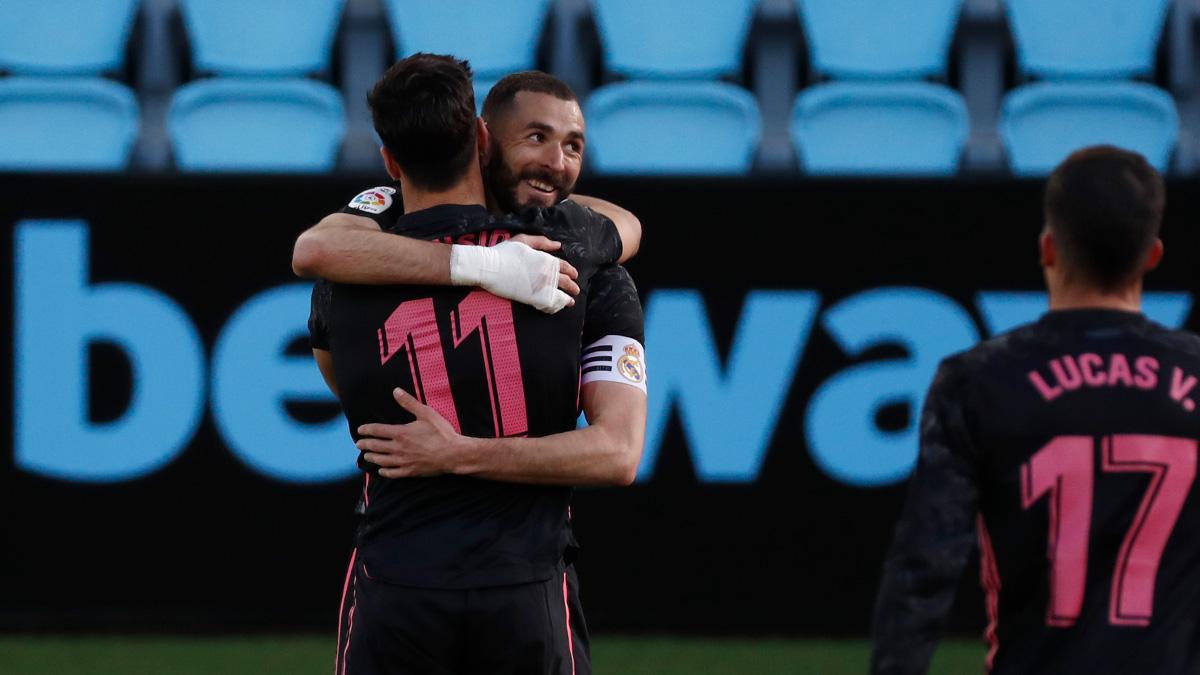 Los jugadores del Real Madrid festejando un gol