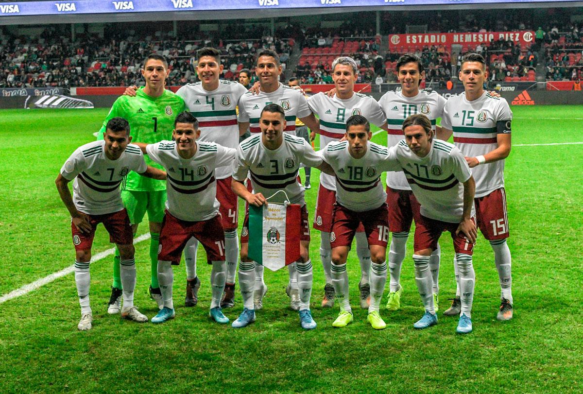 Foto de la Selección mexicana en un partido en Toluca